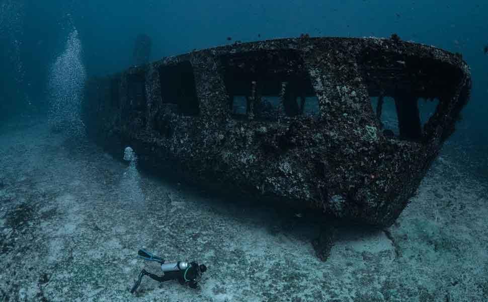 Затонувшее военное судно тральщик С58 в Канкуне